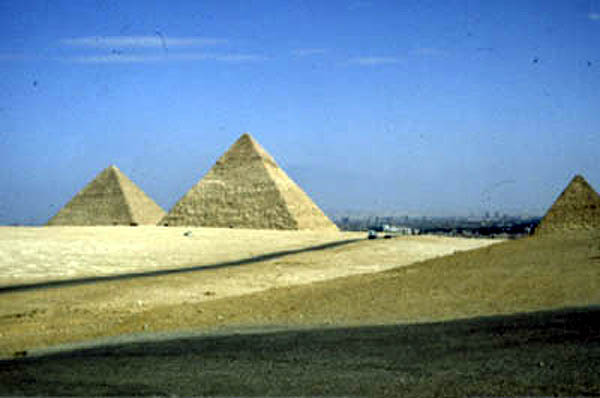 pyramids of egypt pictures